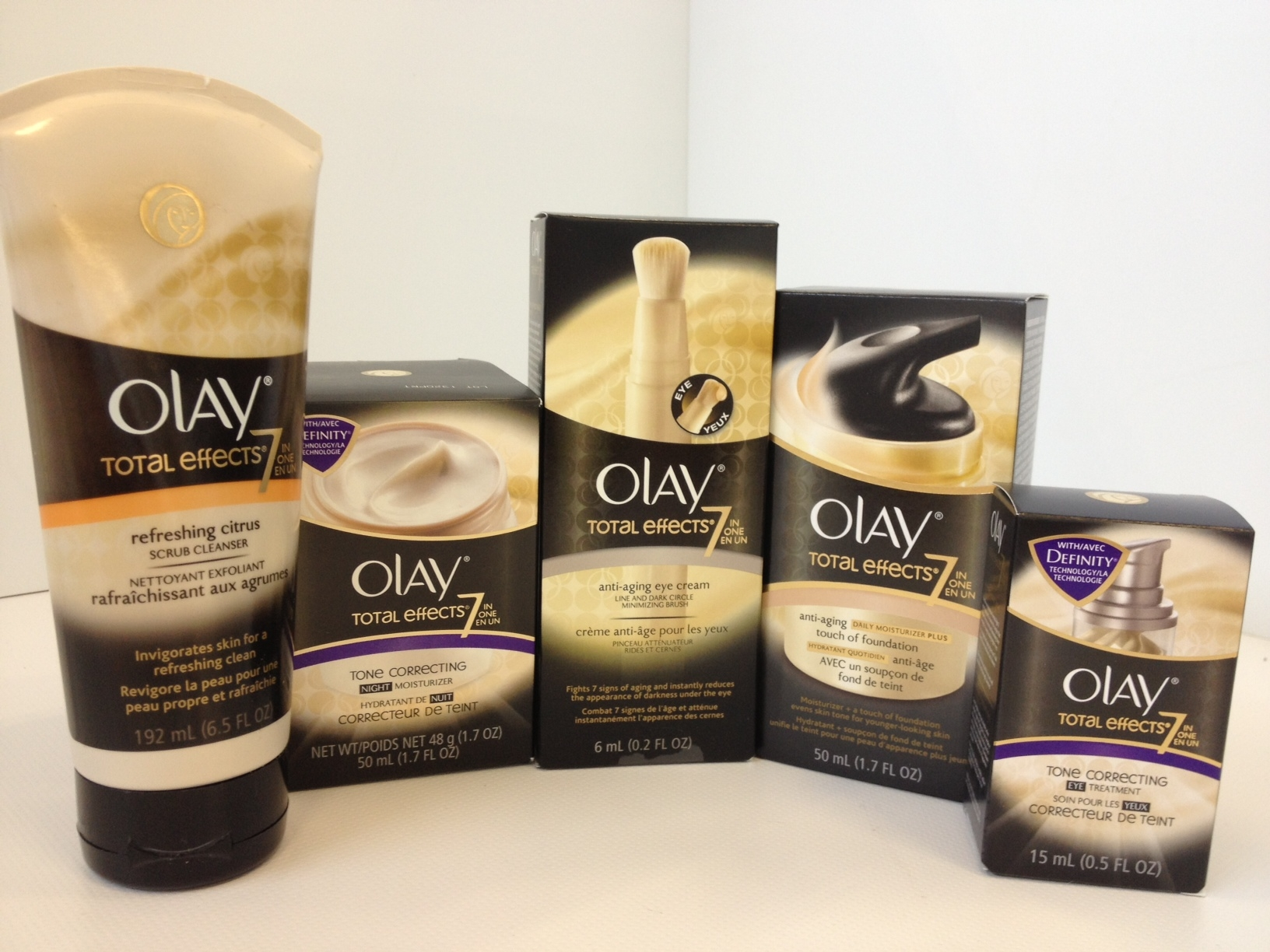Win an Olay Total Effects Prize Pack ARV $140 {Canada} #PGMom