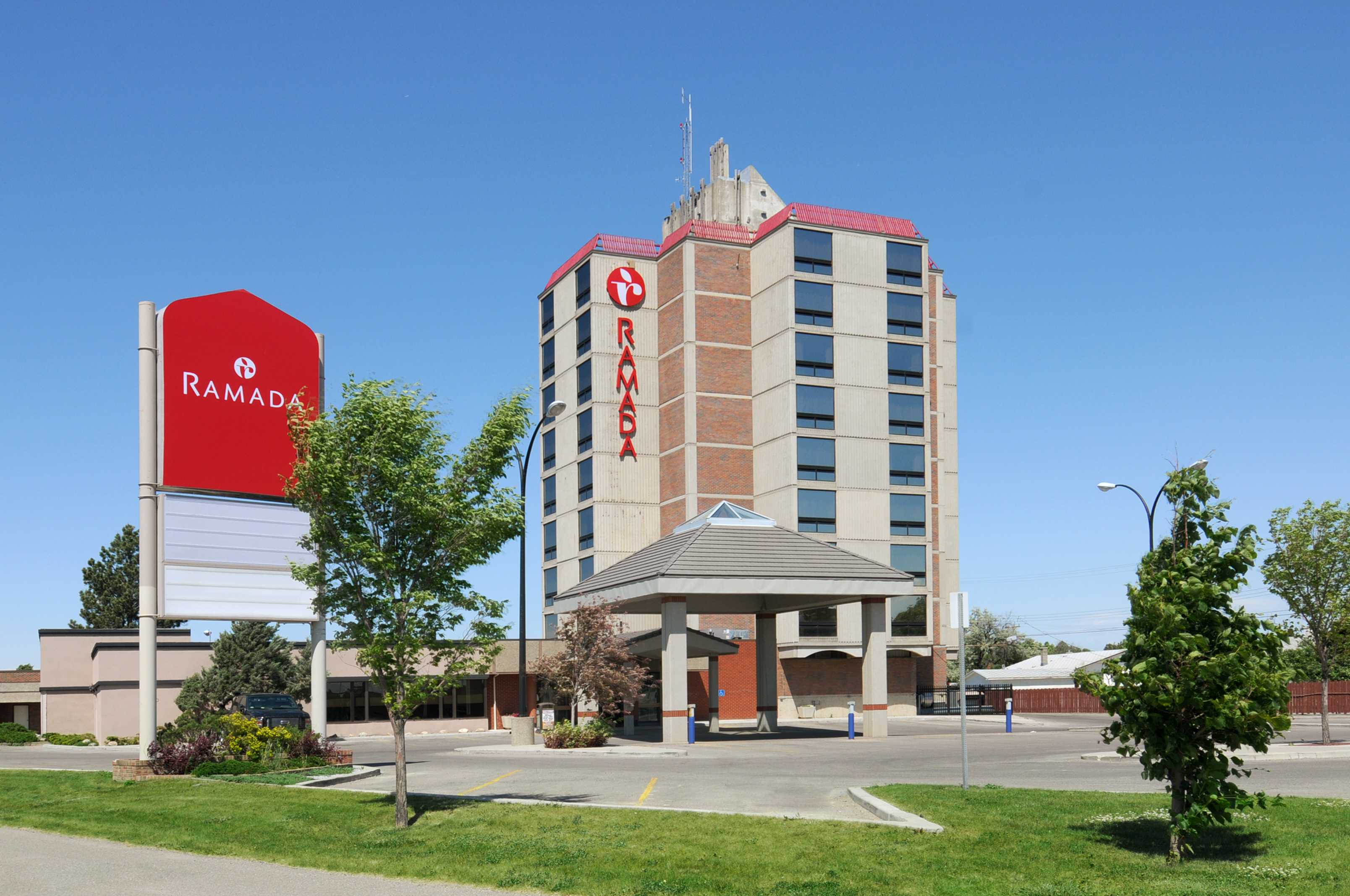 Win a 2 Night Stay at Ramada {Can & US} #Ramada60th