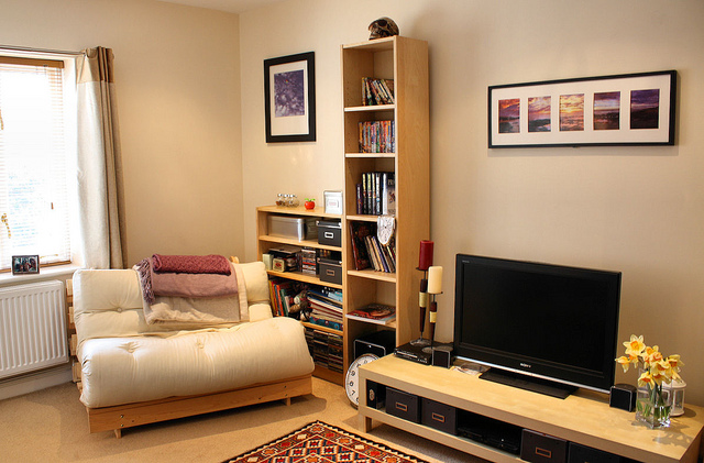 Simple Ways to Liven Up Your Lounge Room
