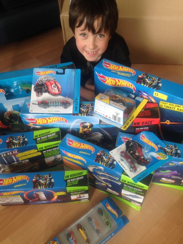 Win $50 in Hot Wheels Products {Canada} #HWTrackBuilder